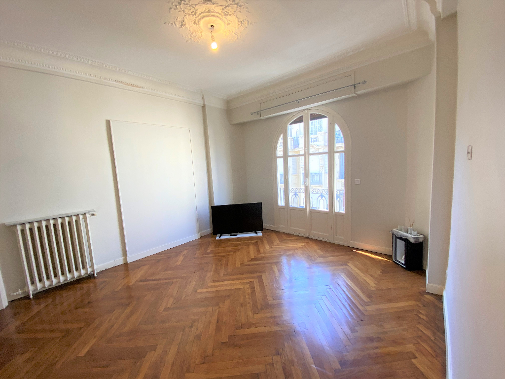 Location appartement  1 pièce  - F1 Nice